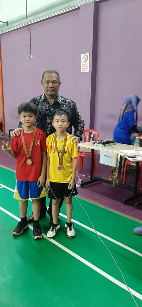 Badminton Comp - photo 1